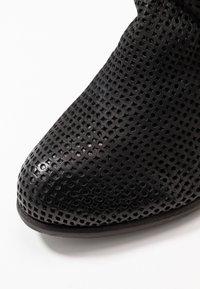 Felmini Wide Fit - OMEGA - Kotníková obuv - black - 2