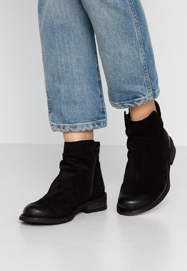 BEJA - Ankle boots - black