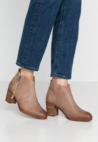 Felmini Wide Fit - MATILDE - Ankle boots - light treccia - 1