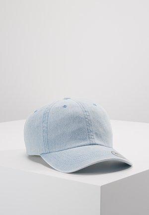 LOW PROFILE - Pet - light blue