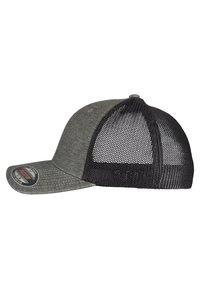 Flexfit - Cap - khaki/black - 3