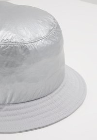 Flexfit - BUCKET HAT - Chapeau - silver - 6