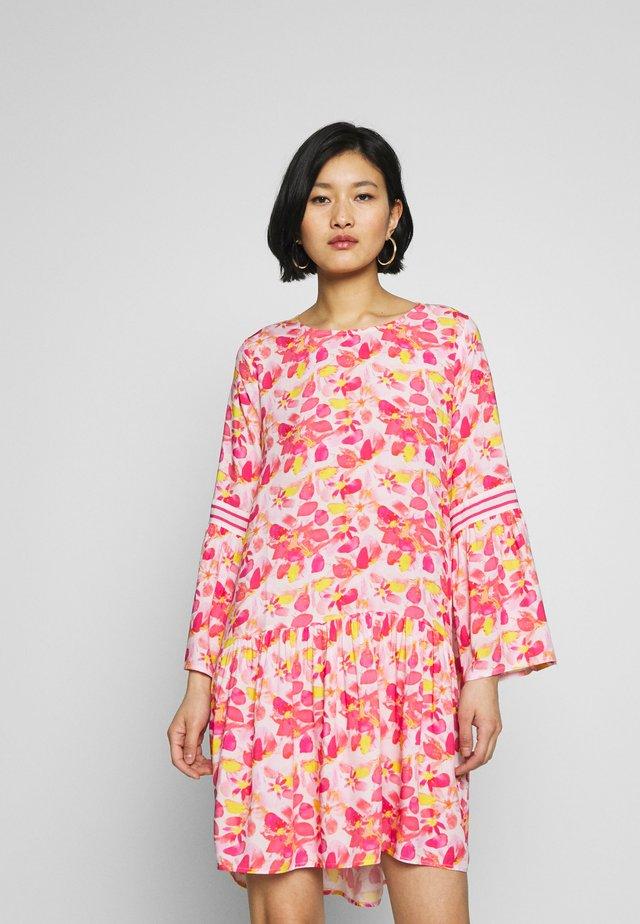 DRESS - Korte jurk - watermelon