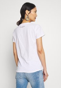 Frieda & Freddies - T-shirt imprimé - white - 2