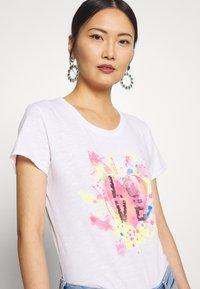 Frieda & Freddies - T-shirt imprimé - white - 3