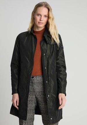 Krátký kabát - black olive