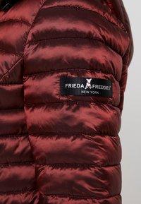 Frieda & Freddies - FUNCTIONAL FILLED JACKET - Giacca da mezza stagione - indian red - 6