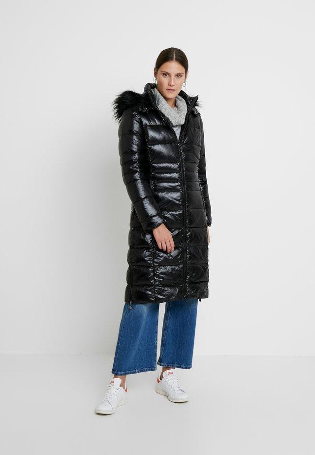 COAT - Płaszcz puchowy - black