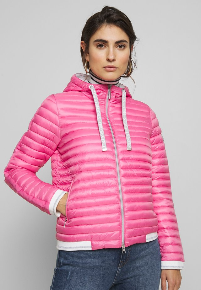 FILLED JACKET - Light jacket - fanatic pink