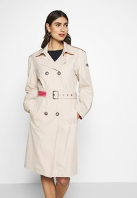 Frieda & Freddies - TRENCH COAT - Trenchcoat - cream - 0