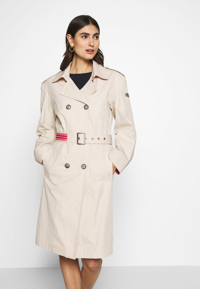 TRENCH COAT - Trenčkot - cream
