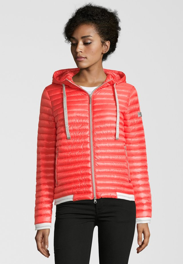 KAPUZENSTEPPJACKE EMILY - Winter jacket - coral