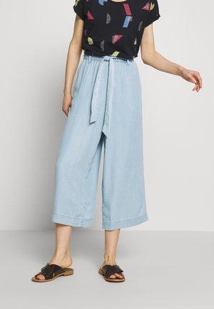 CULOTTE - Trousers - medium blue