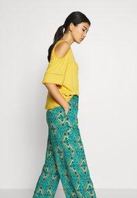 Springfield - PANT PRINT RUSTIC - Kalhoty - green - 3
