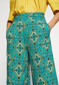 Springfield - PANT PRINT RUSTIC - Kalhoty - green - 6