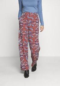 Springfield - Trousers - orange - 0