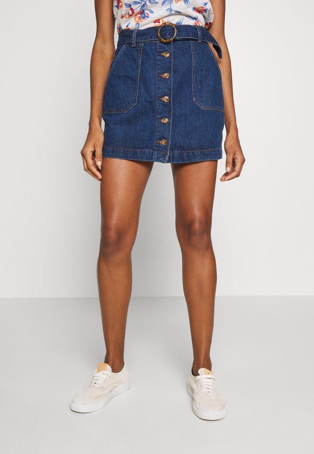 FALDA BOTONES CINTUR - Denim skirt - medium blue