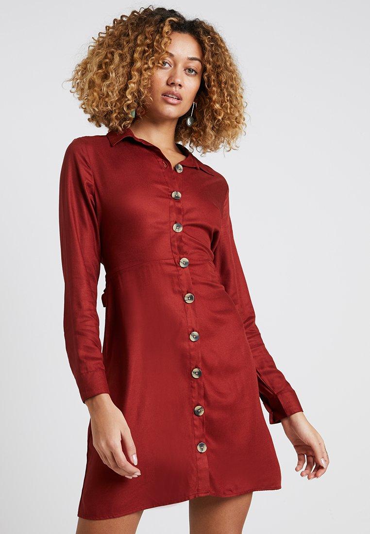 Springfield - VESTIDO CAMISERO - Košilové šaty - browns