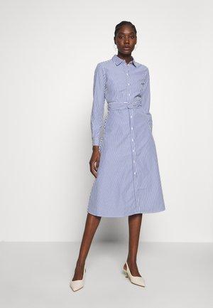 VESTIDO CAMISERO - Skjortklänning - light blue