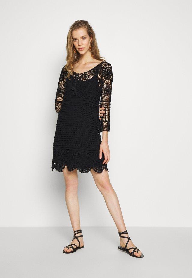 VESTIDO - Korte jurk - black