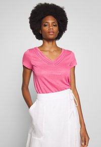 Springfield - T-shirt imprimé - light pink - 0