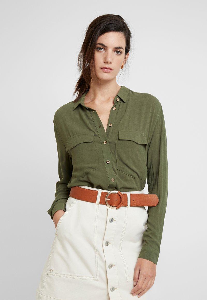 Springfield - CAMISA BOLSILLO - Button-down blouse - greens