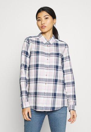 CAMISA APUESTA - Button-down blouse - ivory