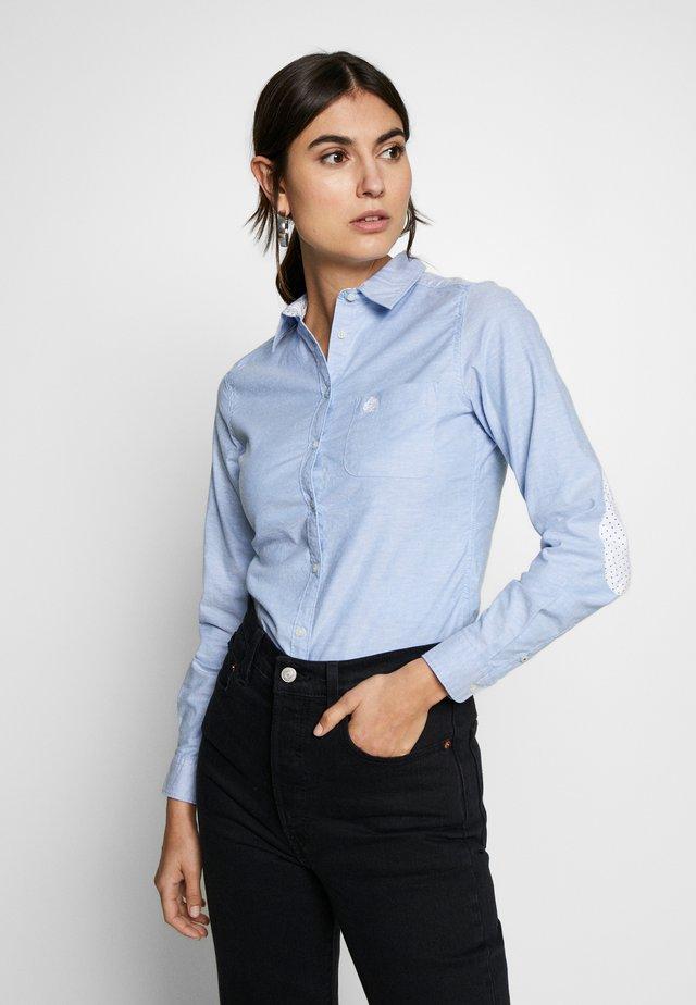 CAMI OXFORD - Button-down blouse - blue