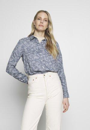 CAMISA - Button-down blouse - medium blue