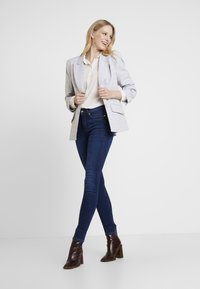 Springfield - SCULPT HIGH RISE - Jeans Skinny Fit - blues - 1