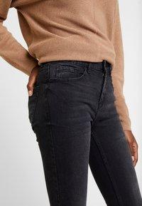 Springfield - CROPPED - Skinny džíny - black - 3