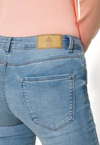 Springfield - Slim fit jeans - light blue - 5