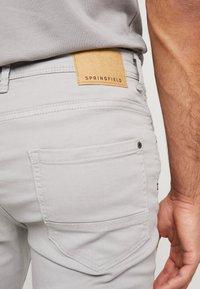 Springfield - SLIM COMFORT-STRETCH - Jeansy Slim Fit - medium grey - 3