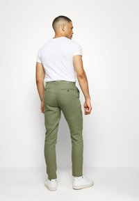 Springfield - PANT BASICO - Trousers - green - 2