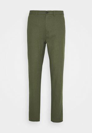 PANT BASICO - Tygbyxor - green