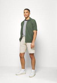 Springfield - BERM BASICA - Shorts - white - 1
