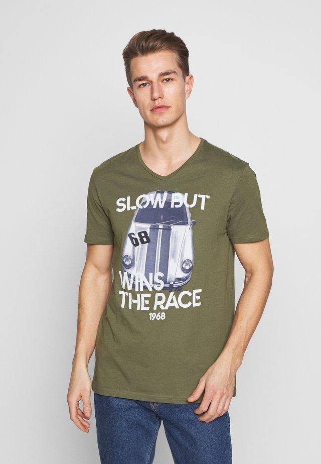 T-shirts print - oliv