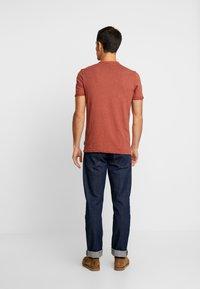 Springfield - BASIC - T-Shirt basic - red - 2