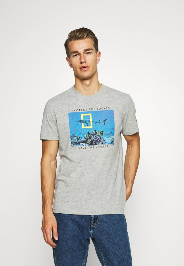 TIBURON BALLENA - Print T-shirt - dark grey
