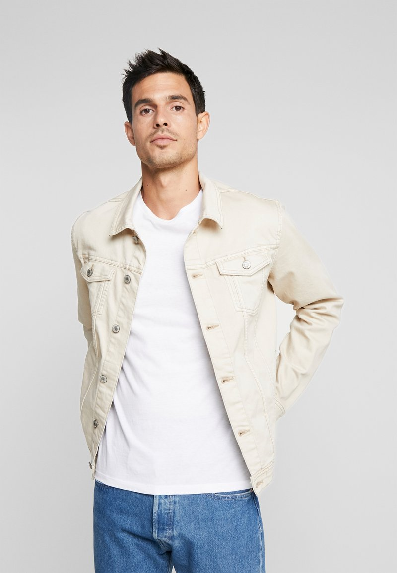 Springfield - TRUCKER LIME - Denim jacket - beige/camel