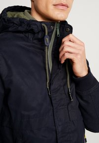 Springfield - YOUNG CLASSIC HOOD - Summer jacket - blue - 5