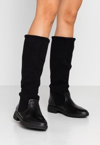 FitFlop - NISSE MIXTE KNEE HIGH BOOTS - Boots - black - 0