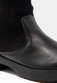 FitFlop - NISSE MIXTE KNEE HIGH BOOTS - Boots - black - 2