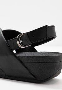 FitFlop - LULU CROSS BACK-STRAP - Sandály na platformě - black - 2