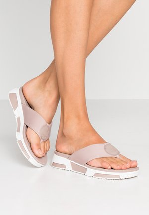 SPORTY LOGO TOE THONGS - Sandalias de dedo - mink