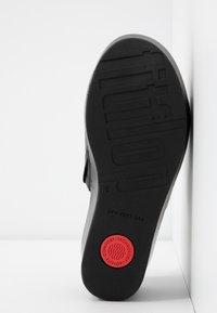 FitFlop - ELOISE - Pantofle na podpatku - black - 6
