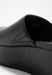 FitFlop - ELOISE - Pantofle na podpatku - black - 2