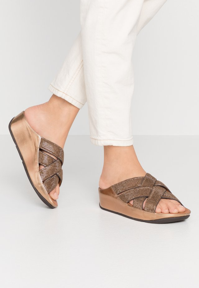 LATTICE - Pantolette flach - bronze