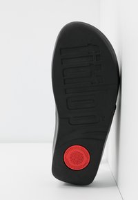 FitFlop - TWISS - Pantofle - black - 6