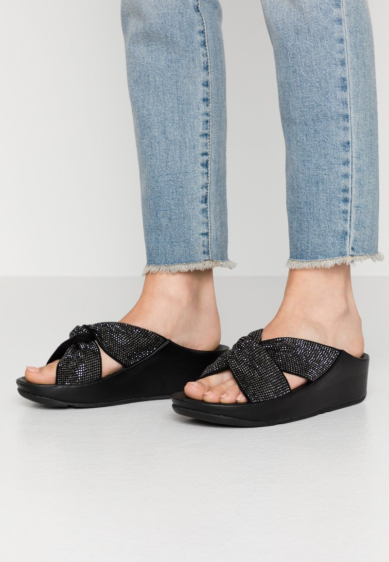FitFlop - TWISS - Pantofle - black